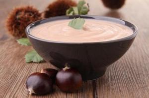 come-preparare-la-minestra-di-castagne-e-funghi_9c91491bf7914d95676a08052c93e3db